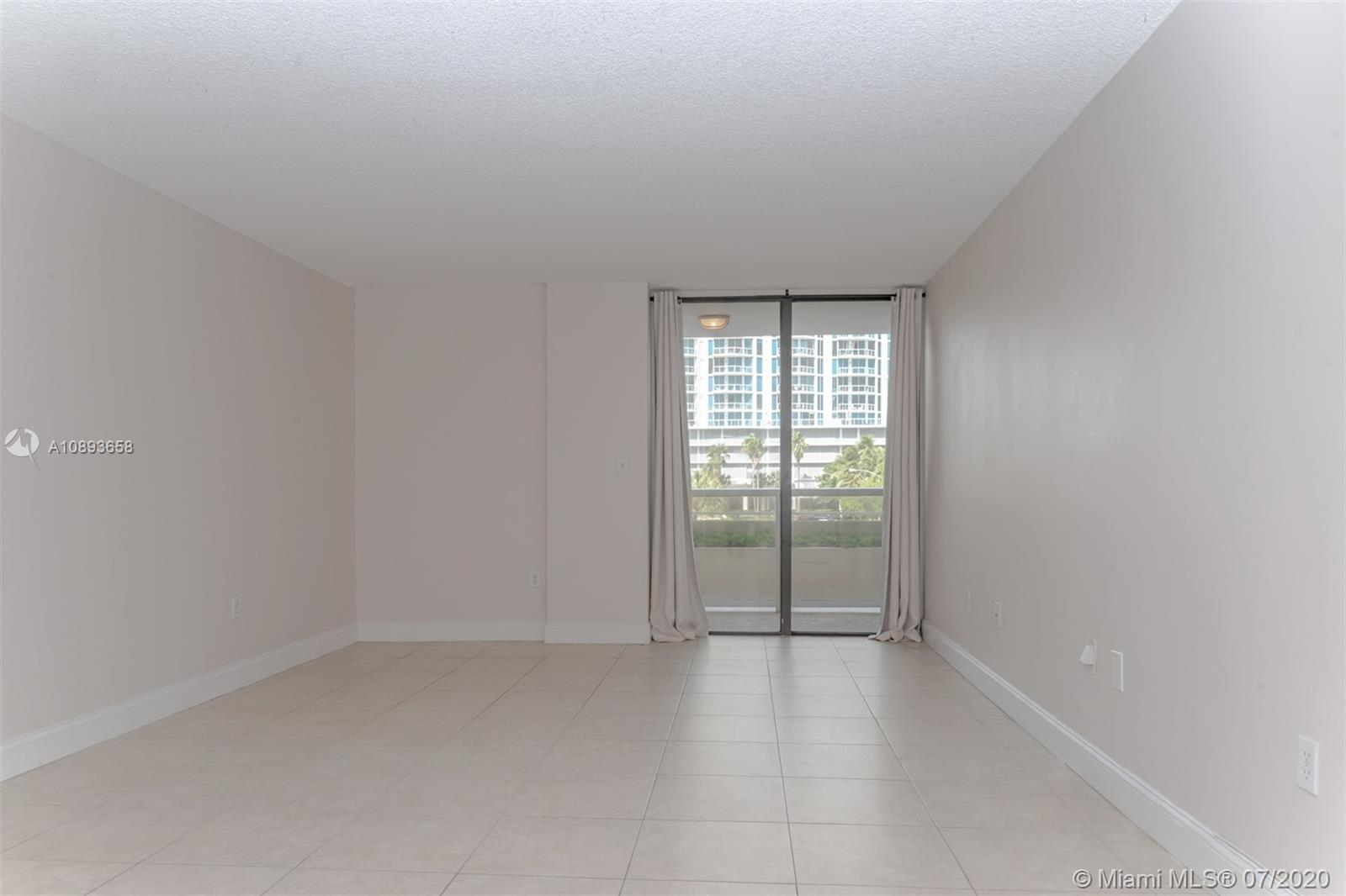 6423 Collins Ave #209 photo010