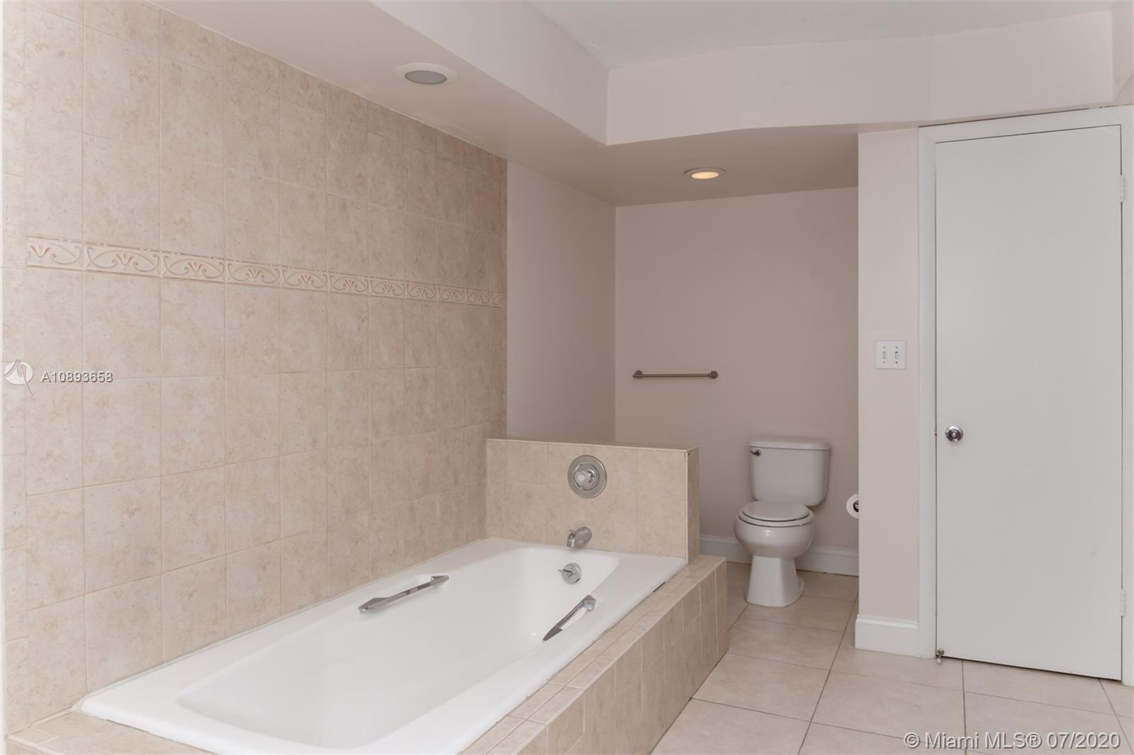 6423 Collins Ave #209 photo015