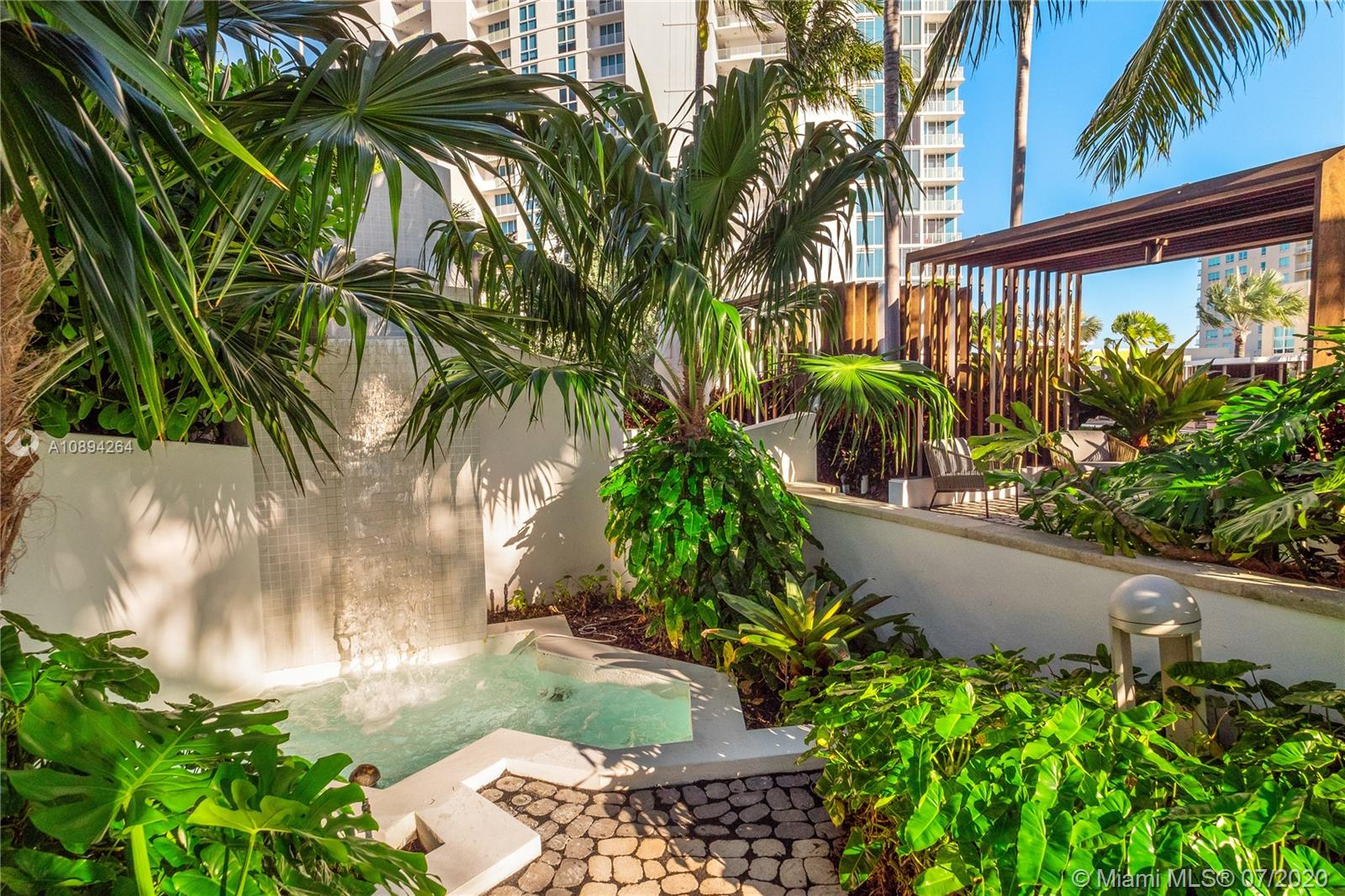 Photo of 2020 N Bayshore Dr #3410 listing for Sale