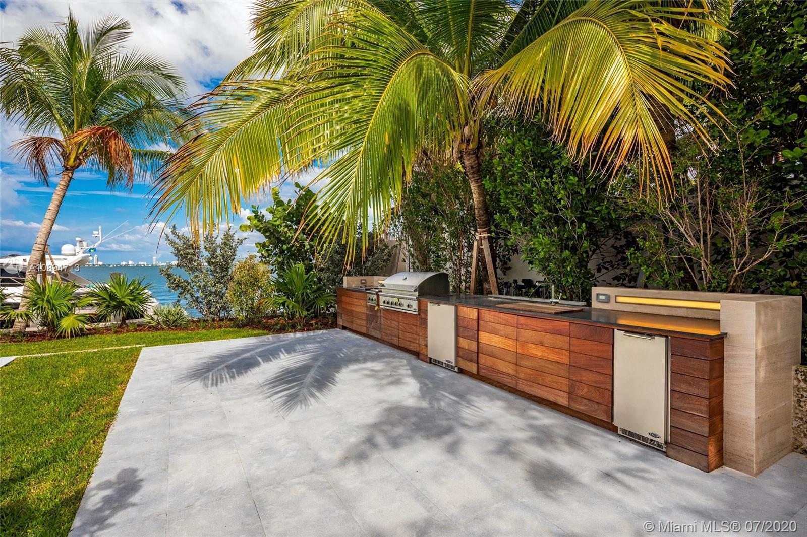 580 Sabal Palm Rd photo055