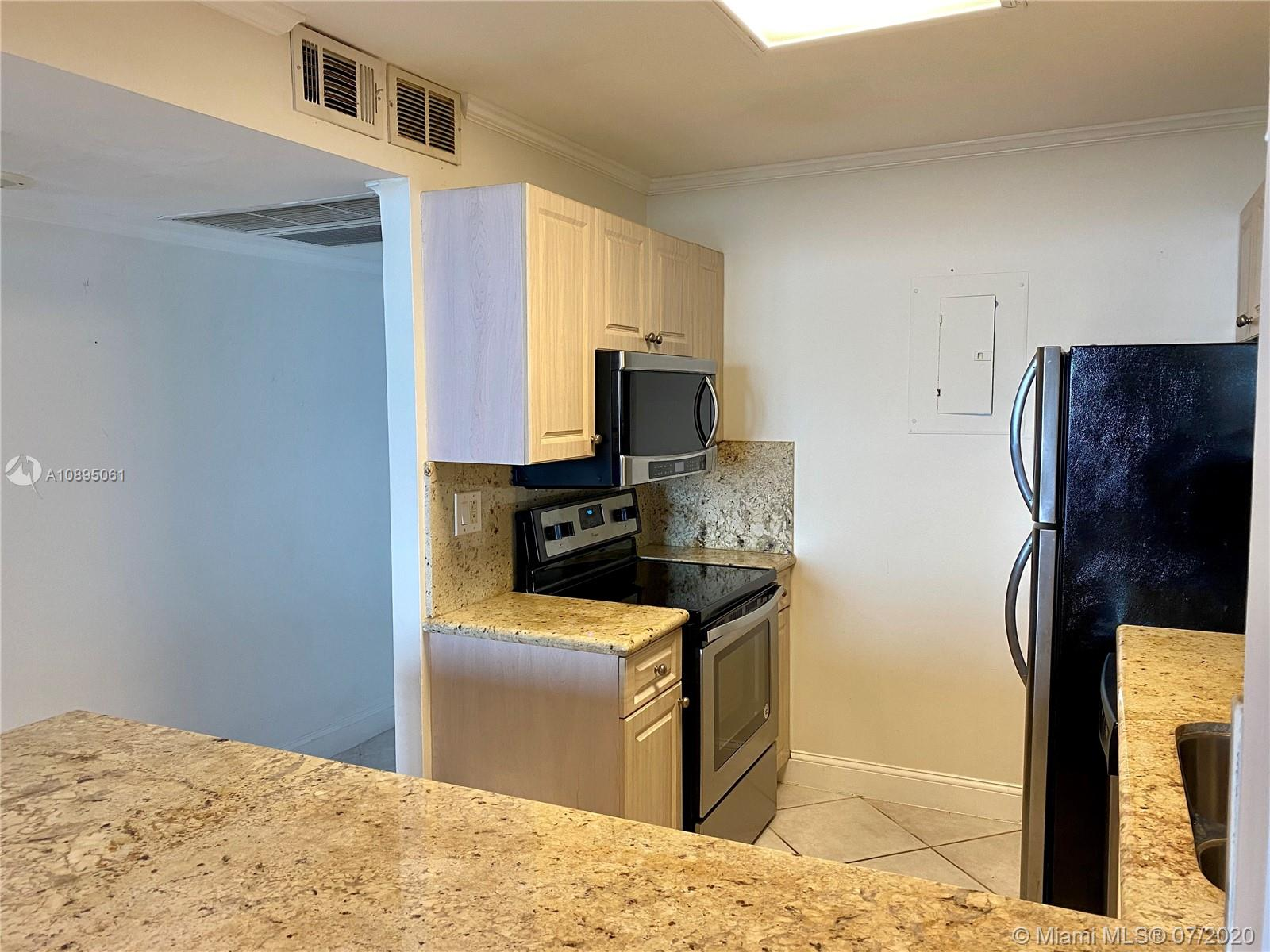 2301 Collins Ave #842 photo03