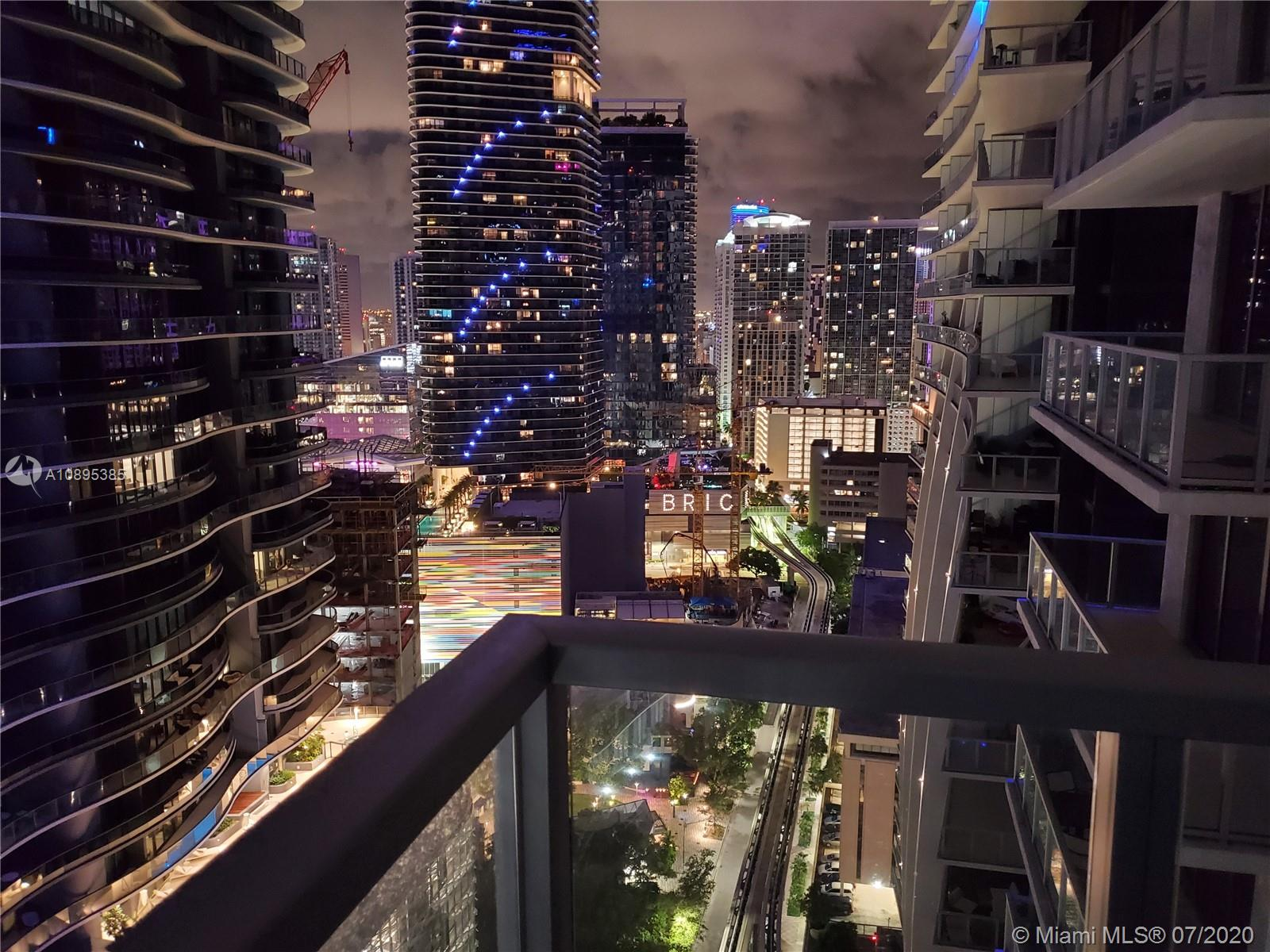 1050 Brickell Ave #2818 photo036