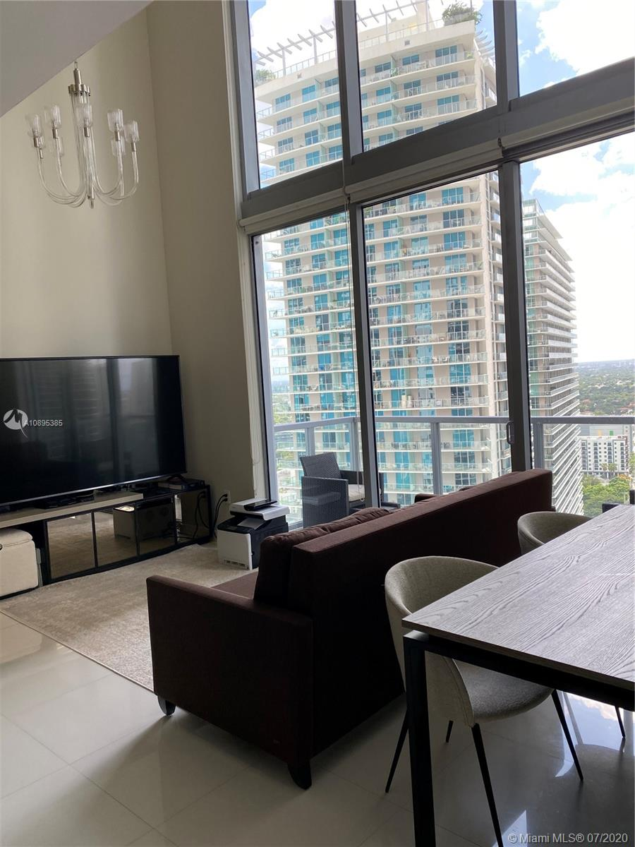 1050 Brickell Ave #2818 photo010