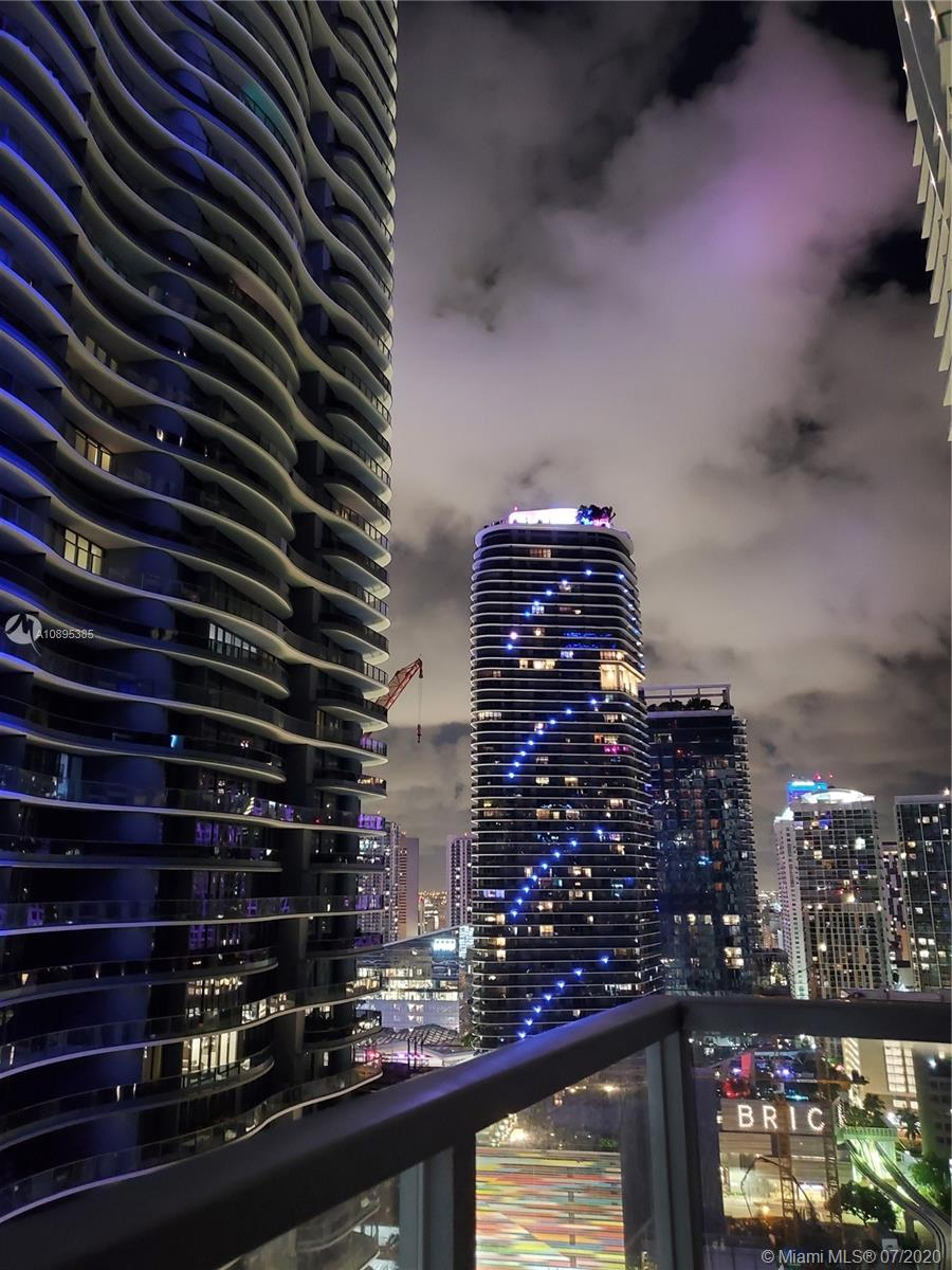 1050 Brickell Ave #2818 photo035