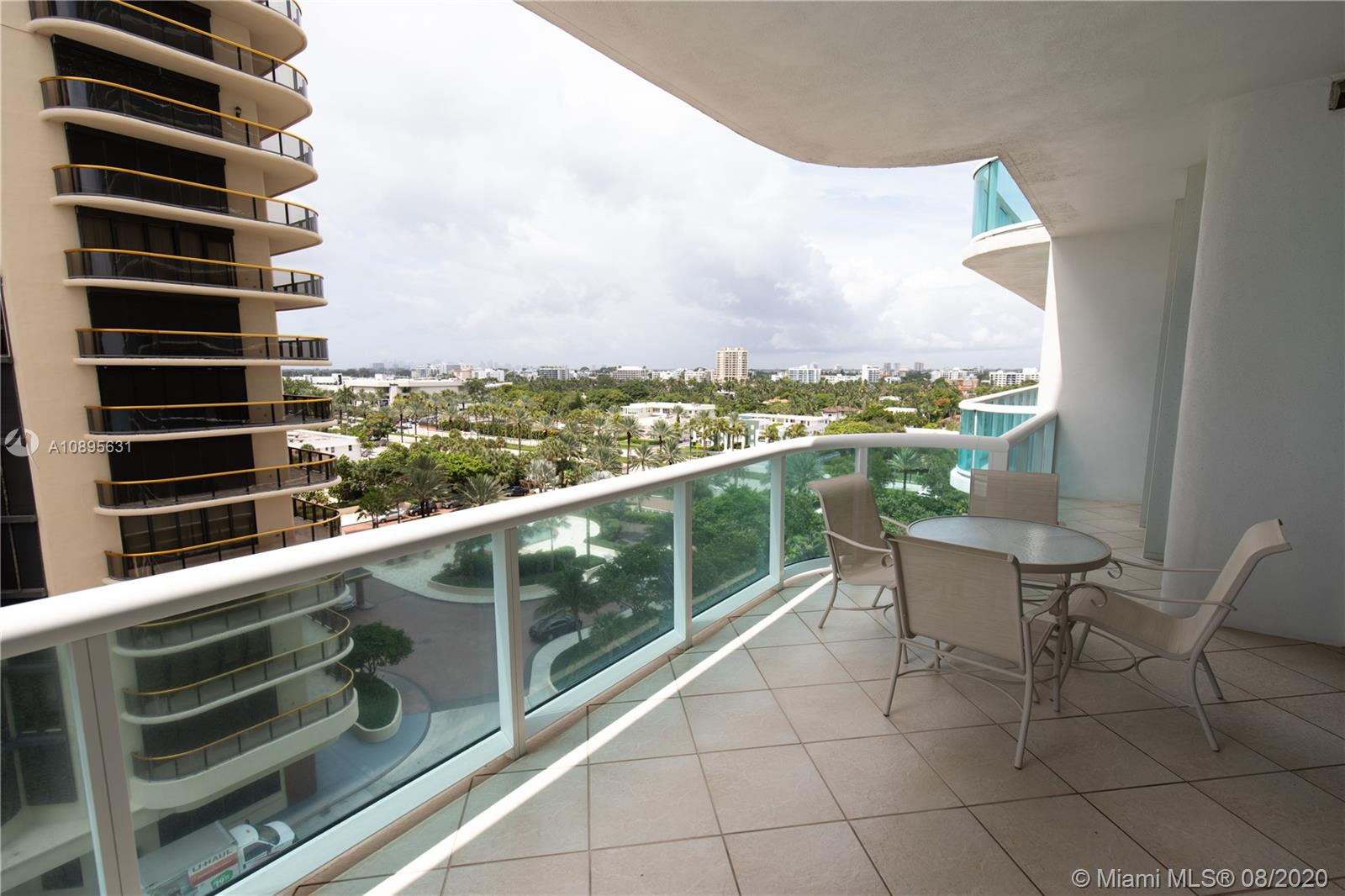 10101 Collins Ave #8D photo07