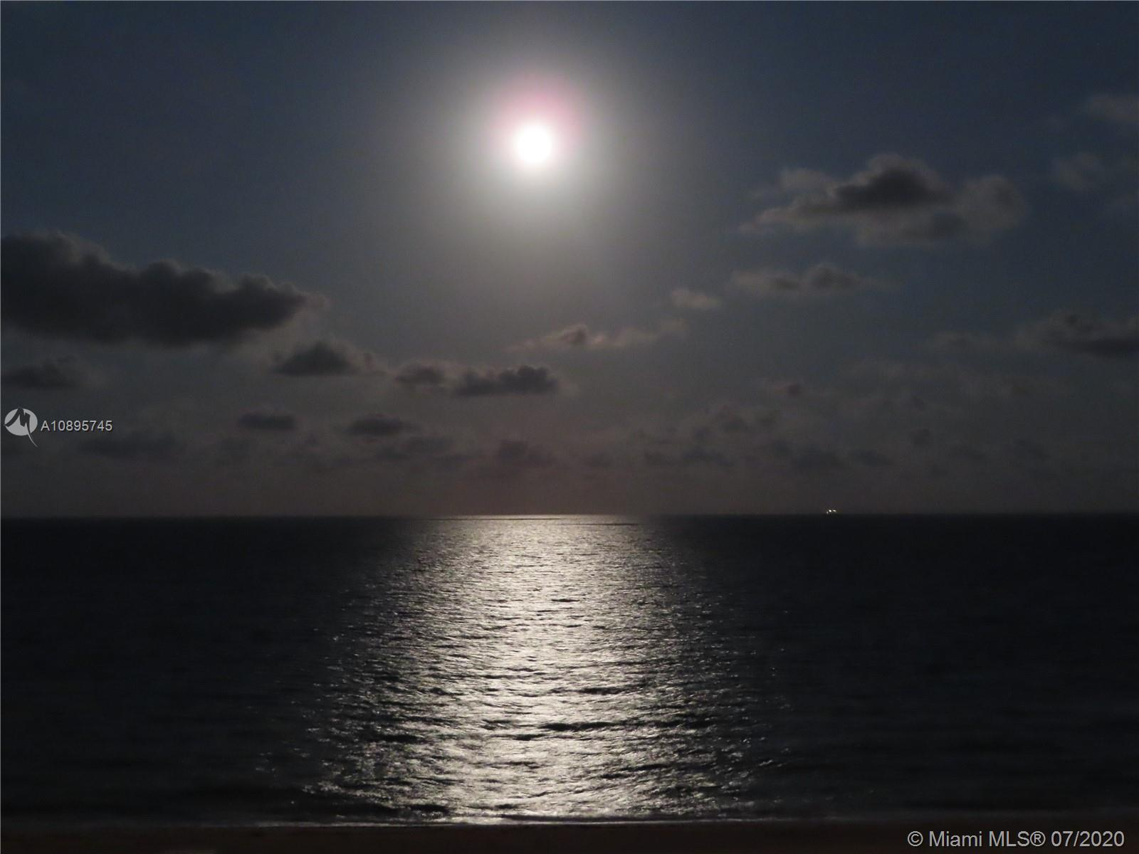 Arlen Beach #808 photo02