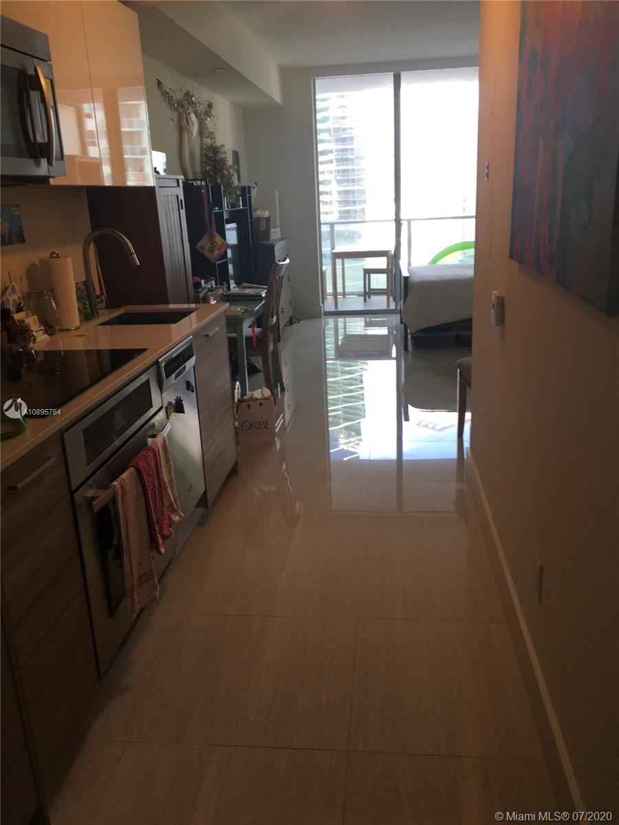 1300 Brickell Bay Dr #1613 photo05