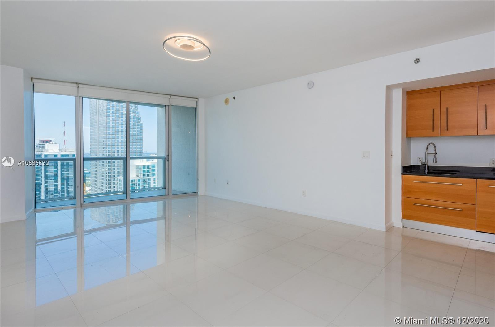 475 BRICKELL AVENUE #4710 photo06