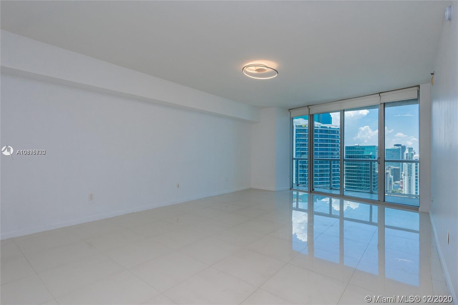 475 BRICKELL AVENUE #4710 photo04