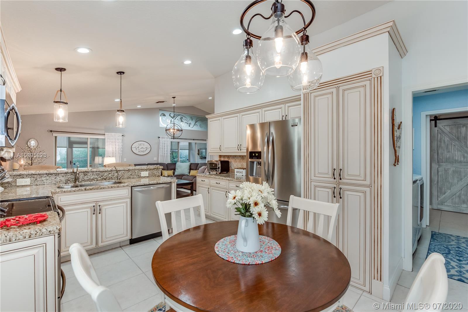 Bright, quality, working kitchen