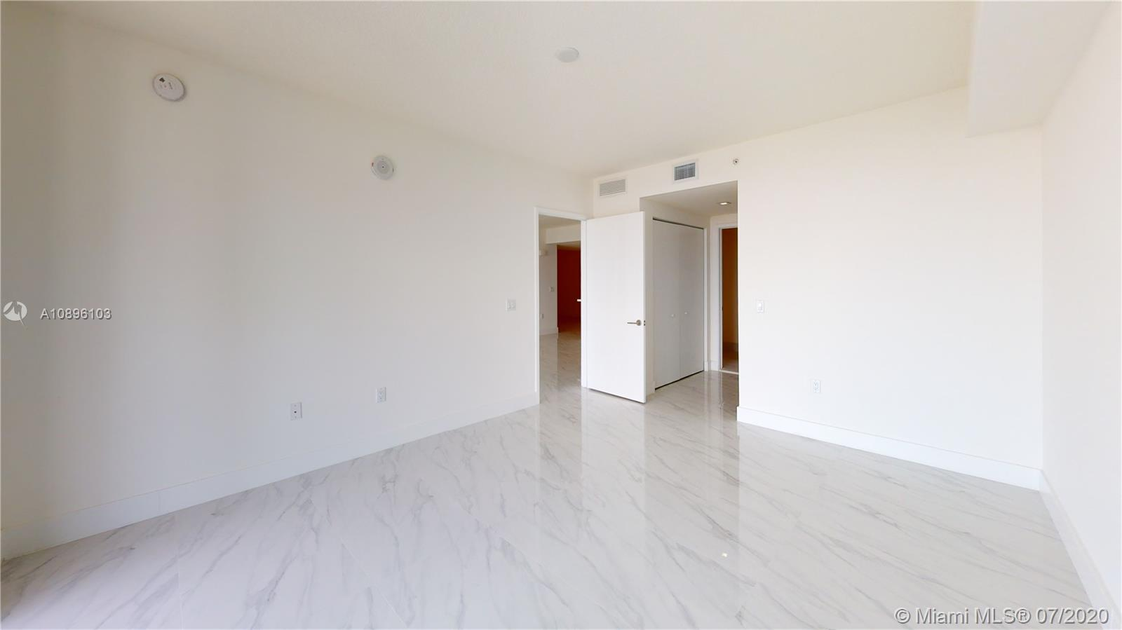 Photo of 330 Sunny Isles Blvd #5-1606 listing for Sale