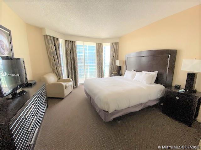 17375 Collins Ave #1406 photo07