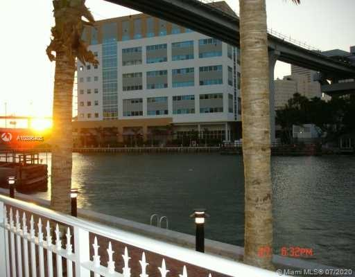 Brickell on the River #2006 photo18