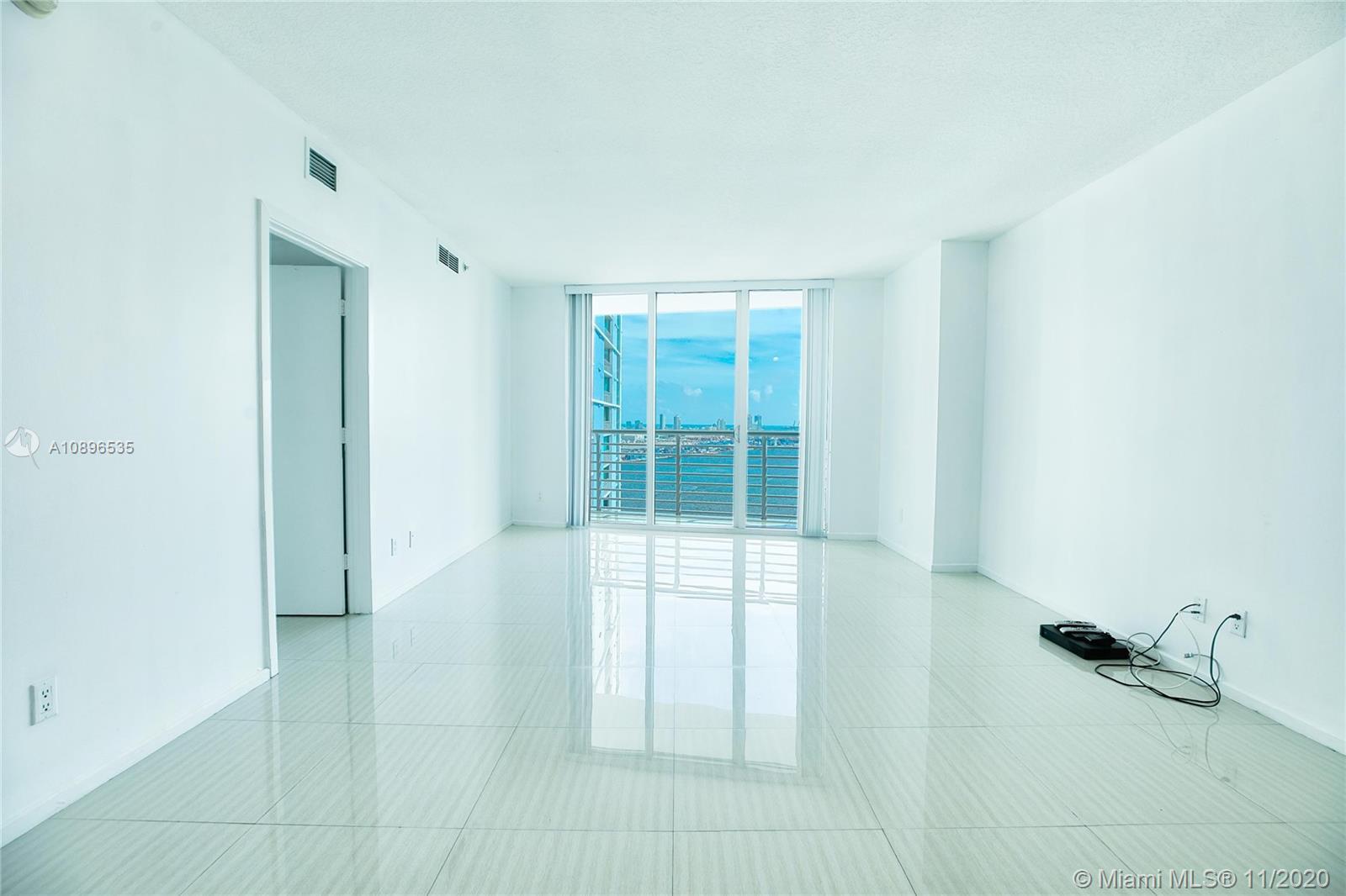 One Miami #2726 photo05