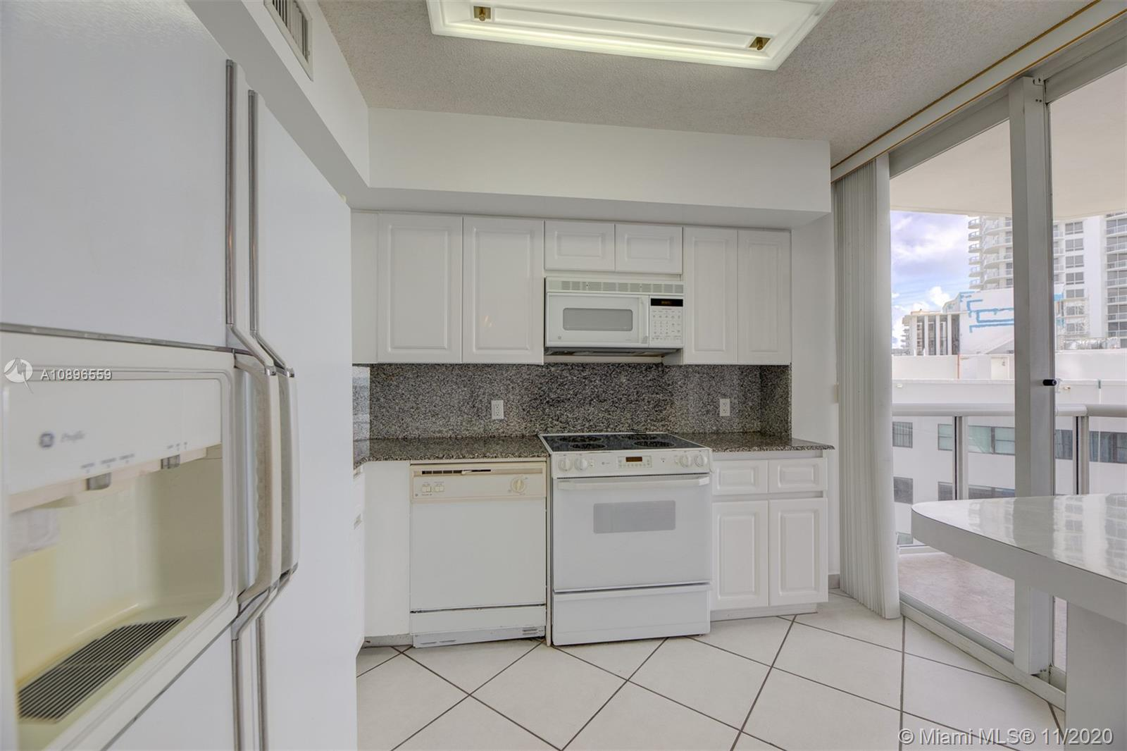 6301 Collins Ave #1108 photo06