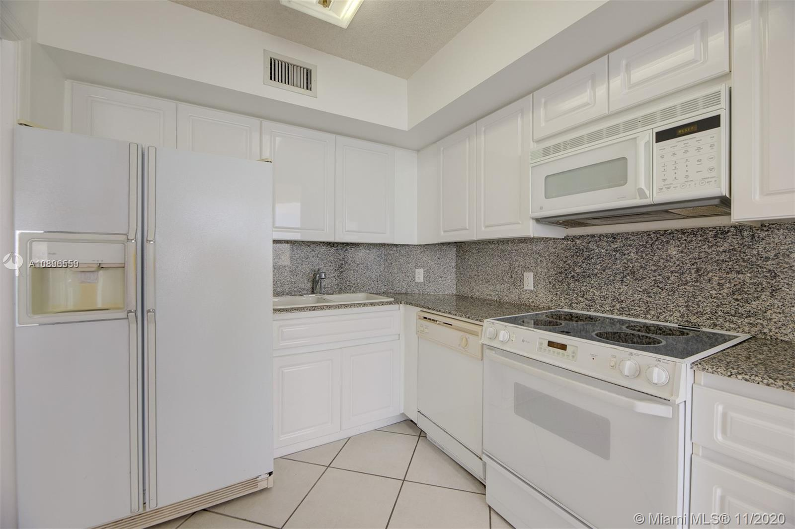6301 Collins Ave #1108 photo07