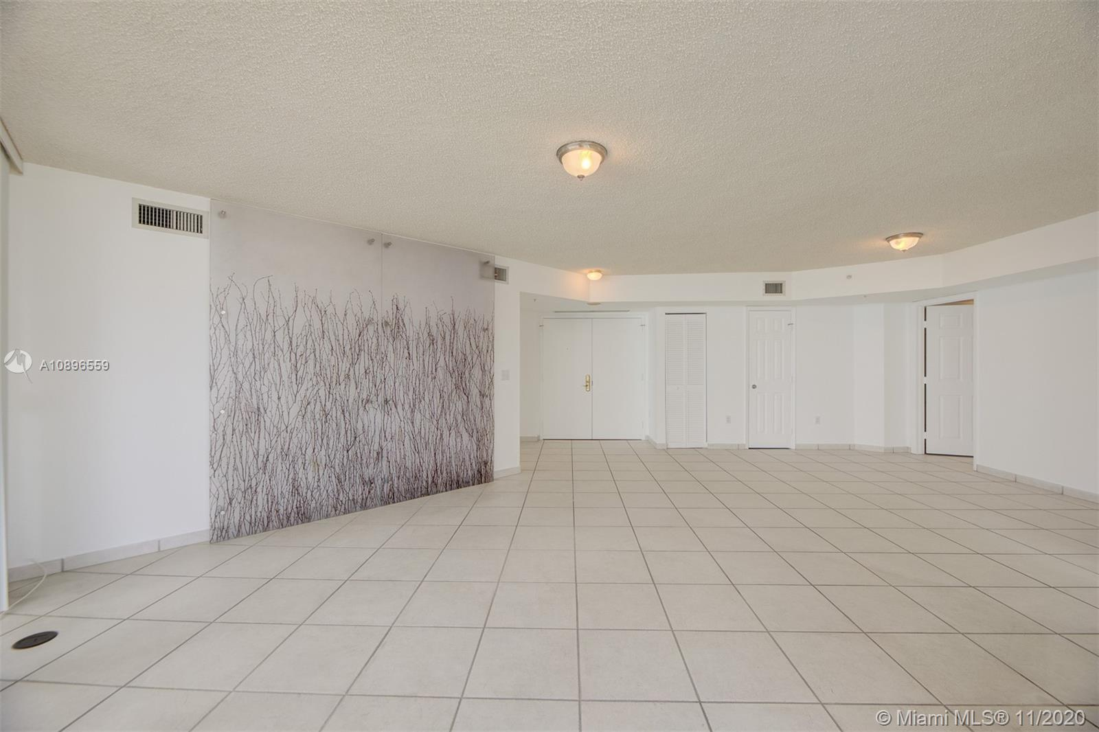6301 Collins Ave #1108 photo05