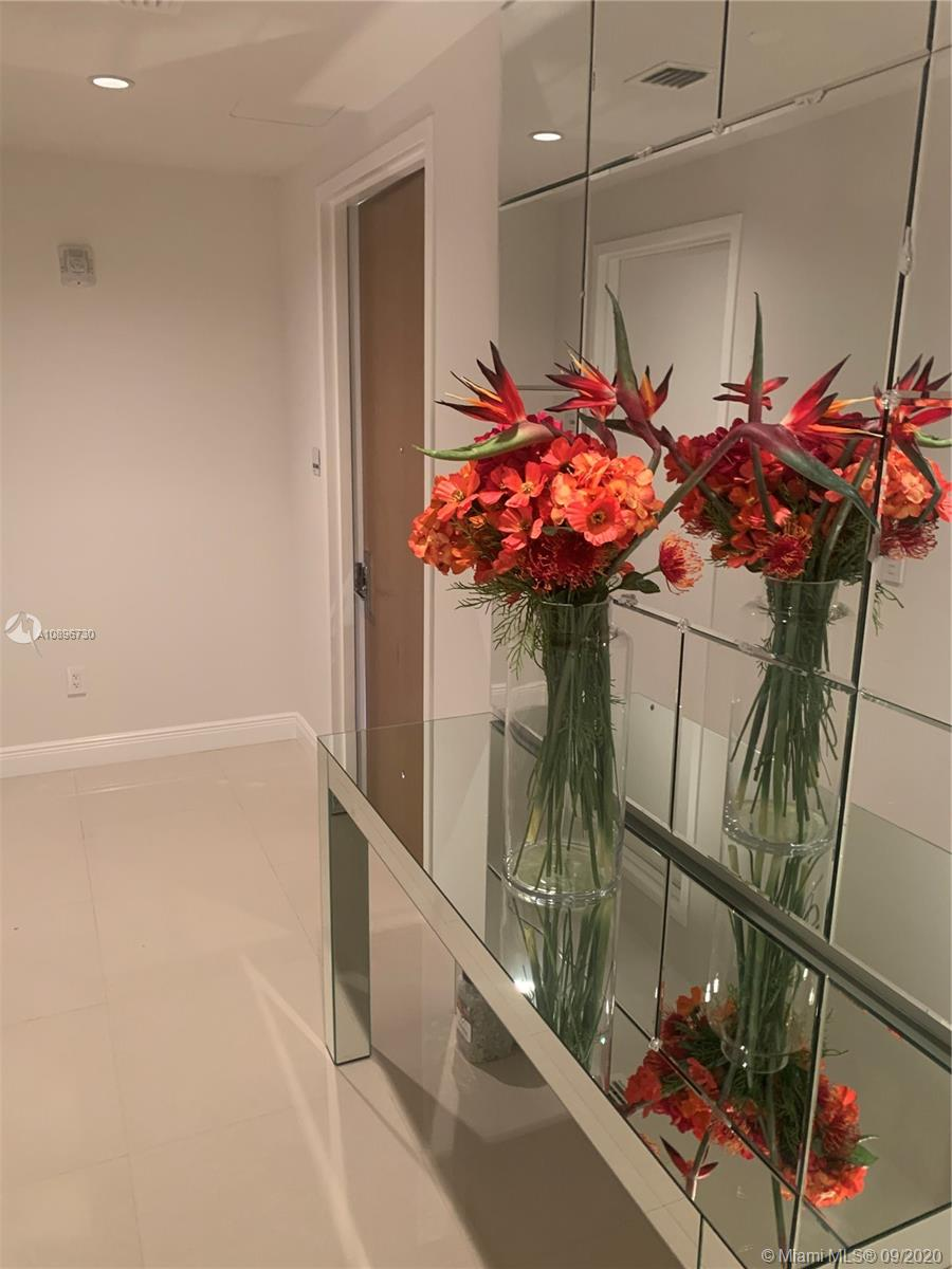 10203 Collins ave #604N photo014