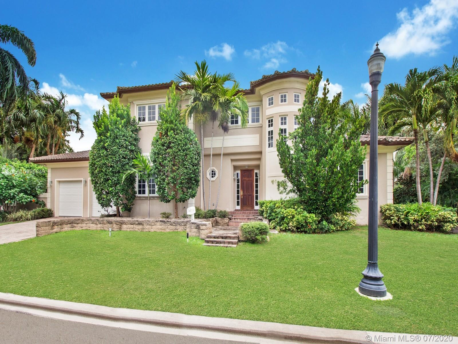 Photo of 201 W San Marino Dr # listing for Sale