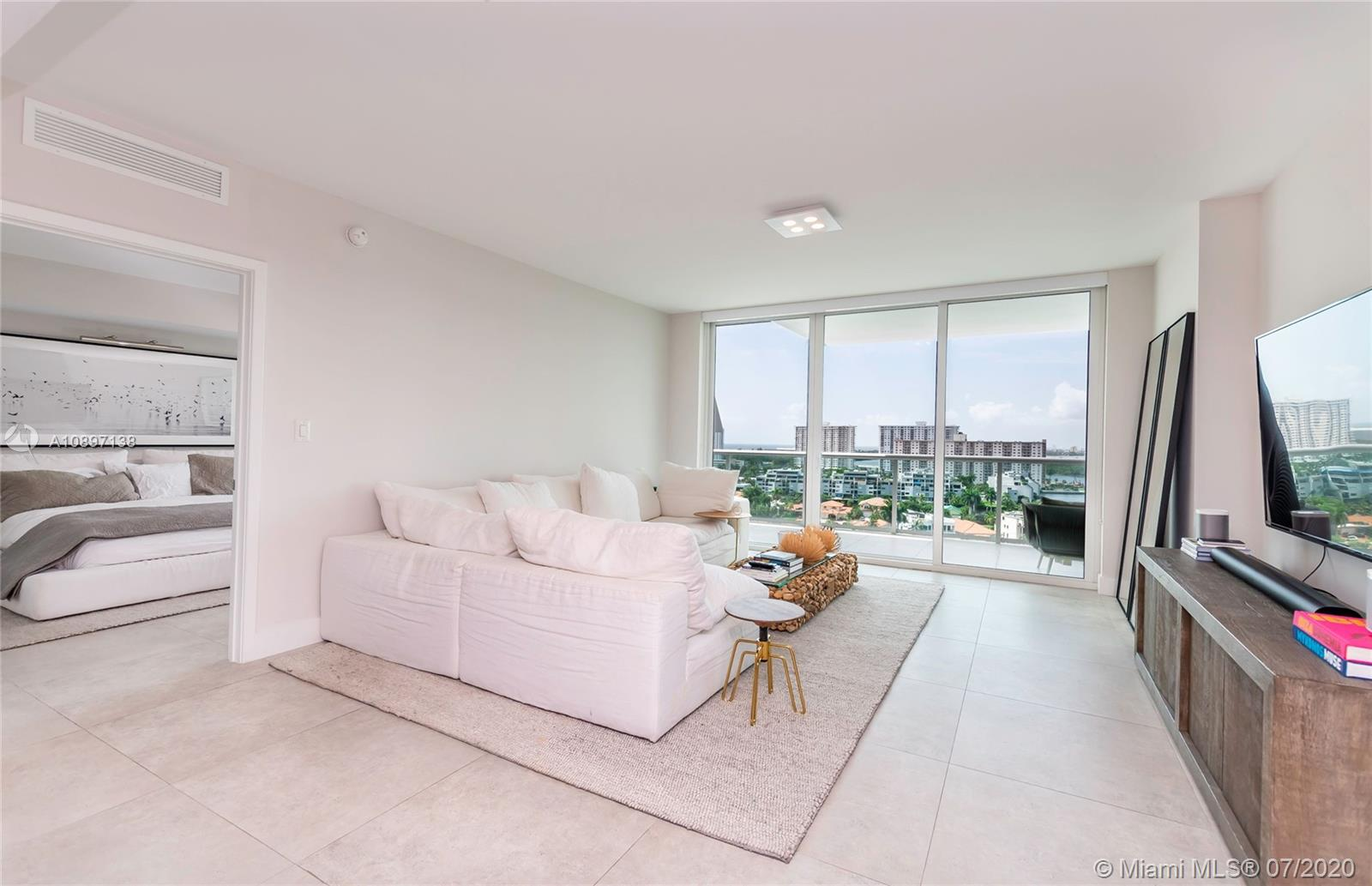 400 Sunny Isles Blvd #1407 photo017