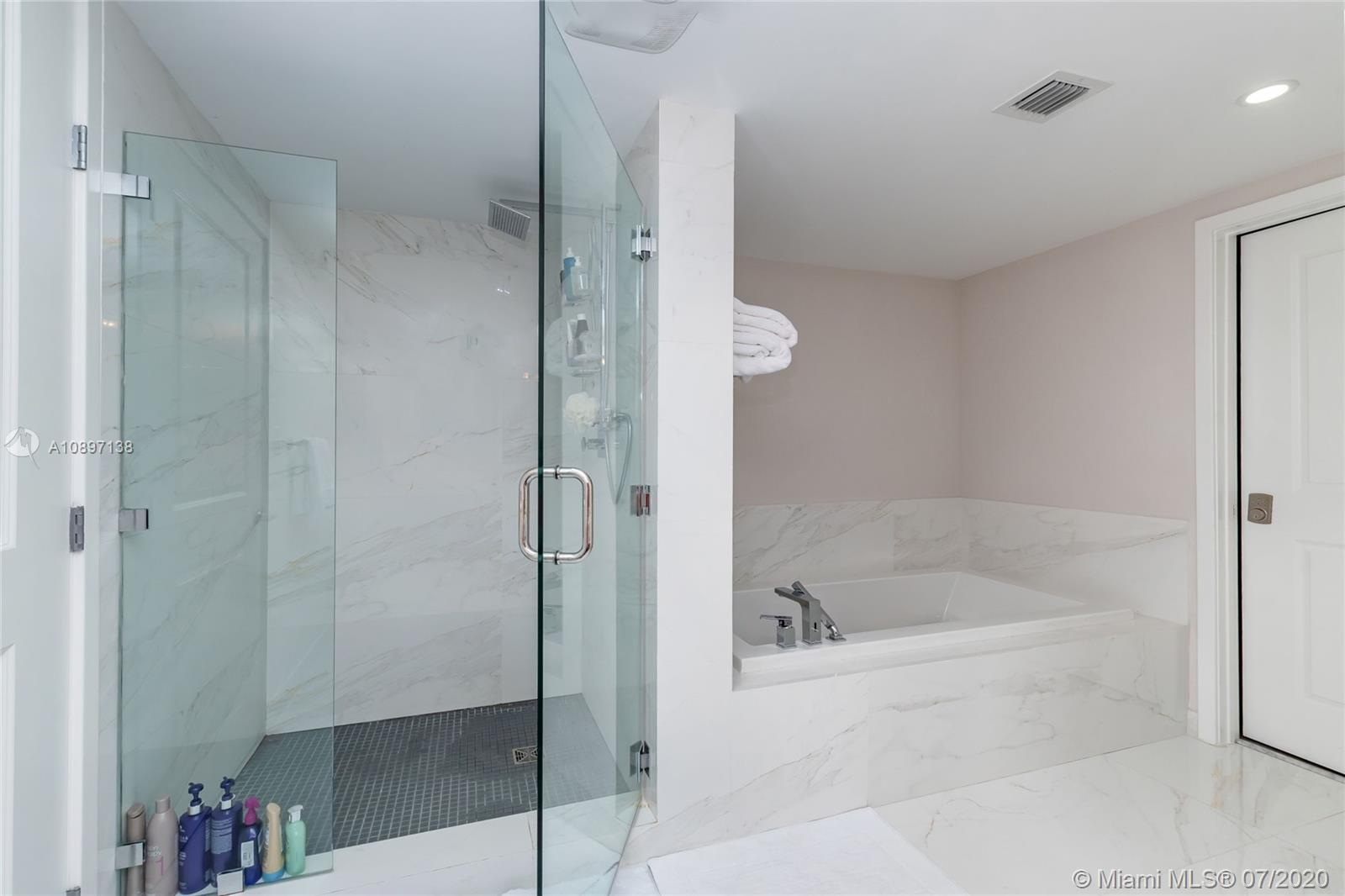 400 Sunny Isles Blvd #1407 photo05