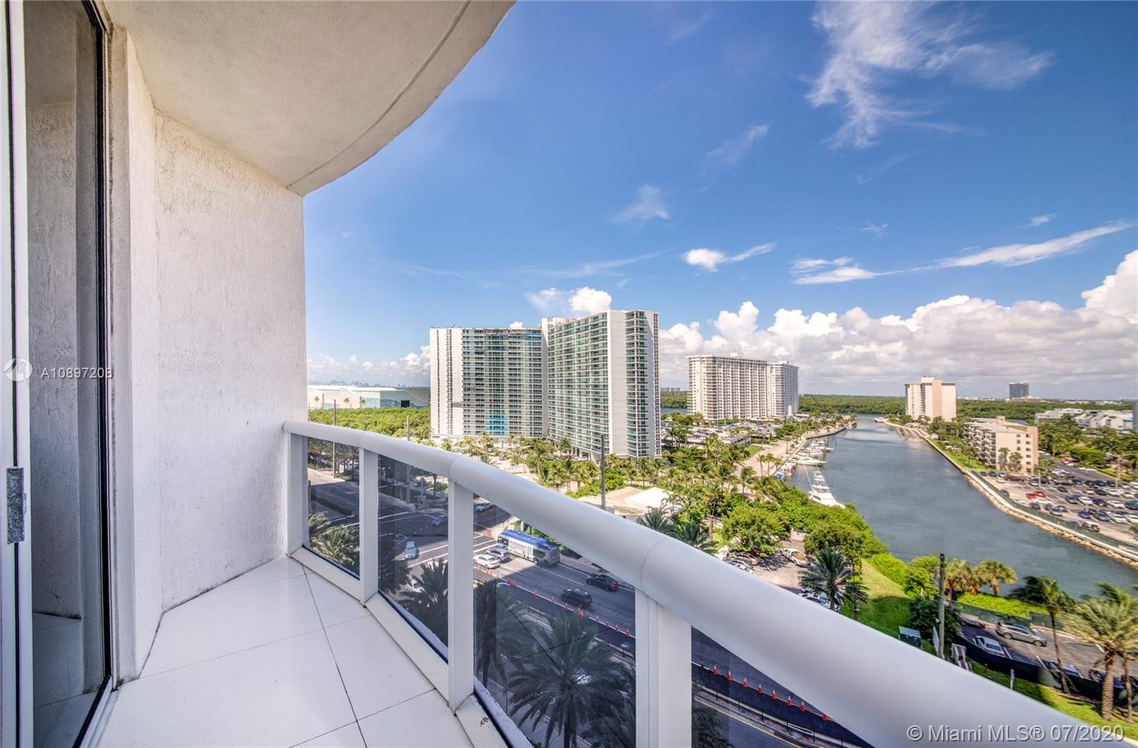 15811 Collins Ave #804 photo017