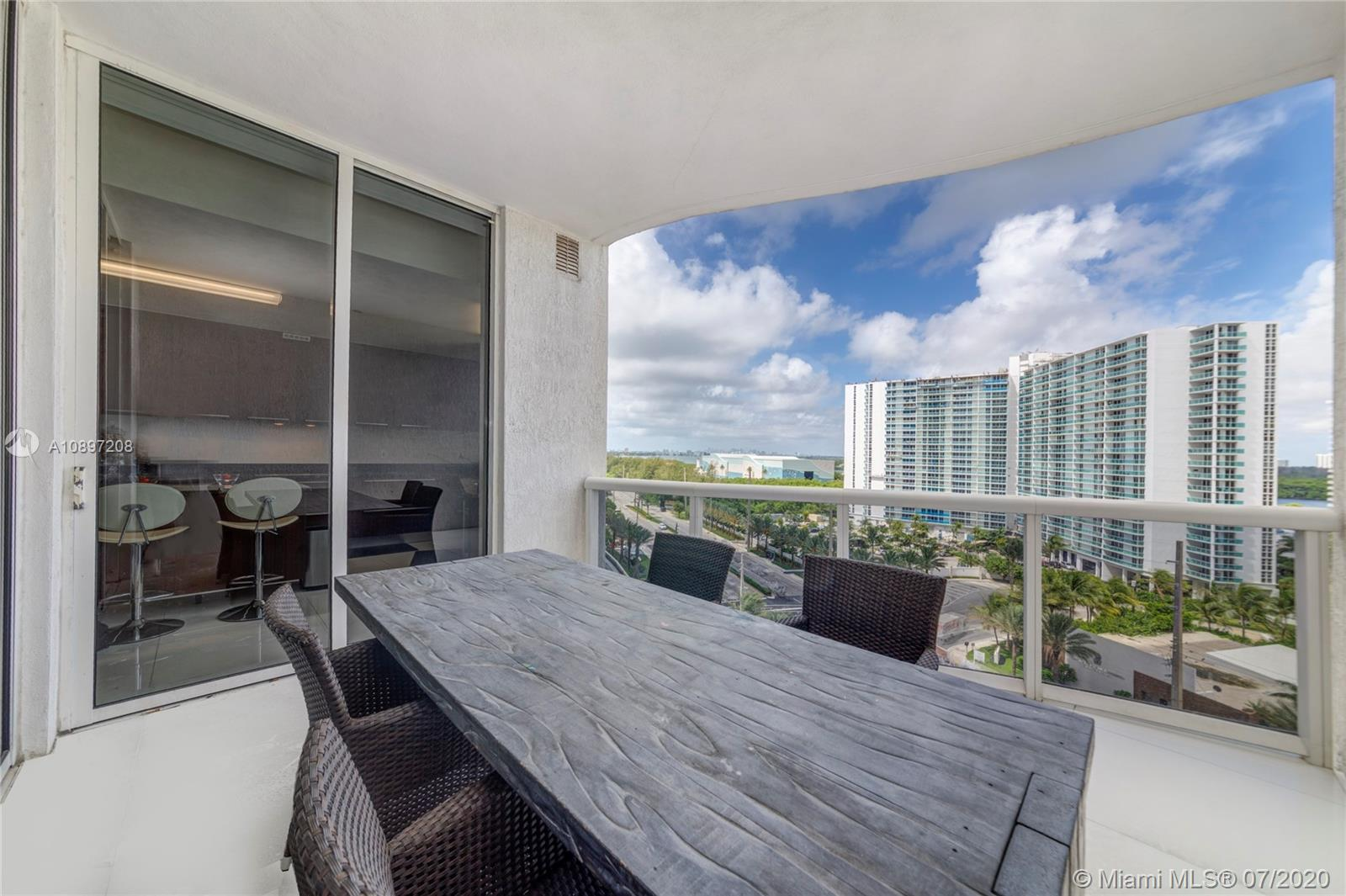 15811 Collins Ave #804 photo024