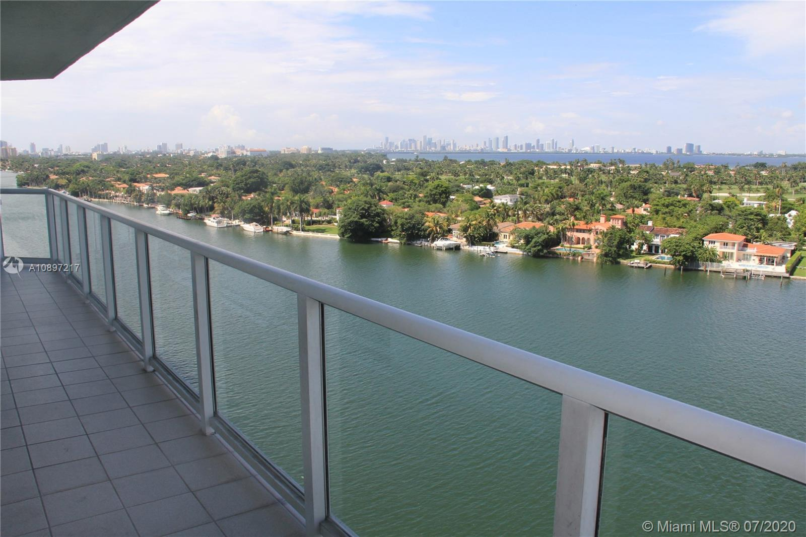 5900 Collins Ave #1403 photo02