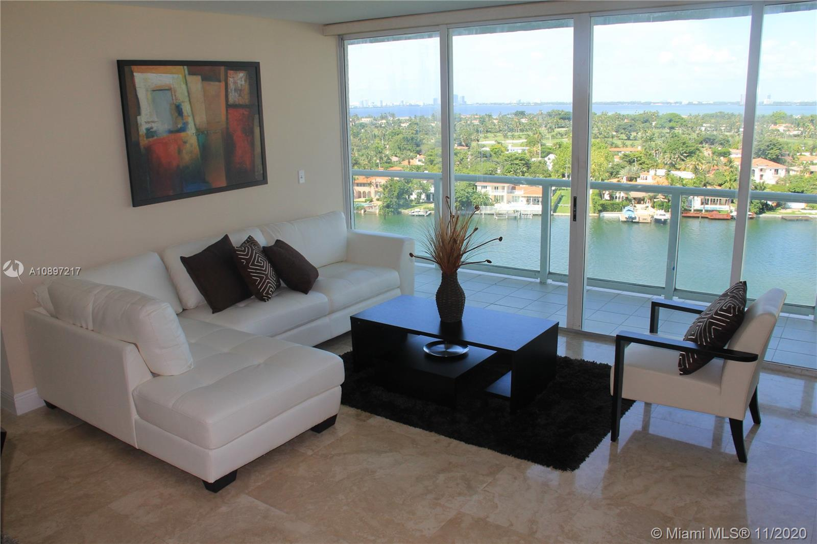 5900 Collins Ave #1403 photo01