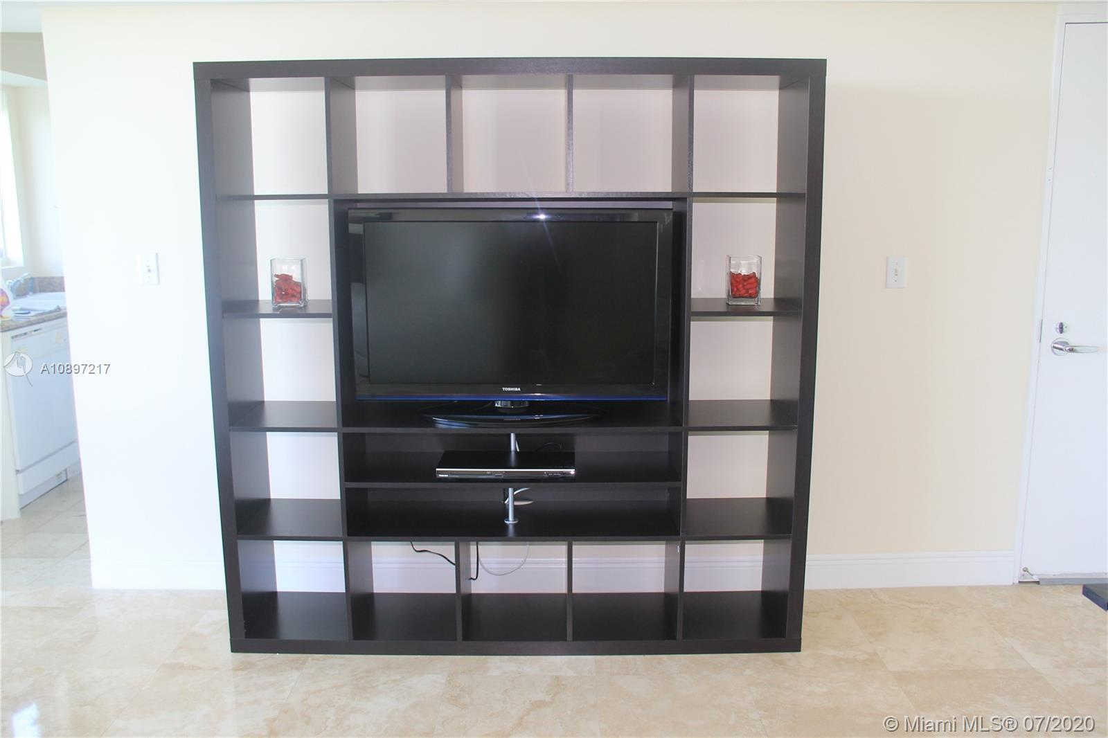 5900 Collins Ave #1403 photo08