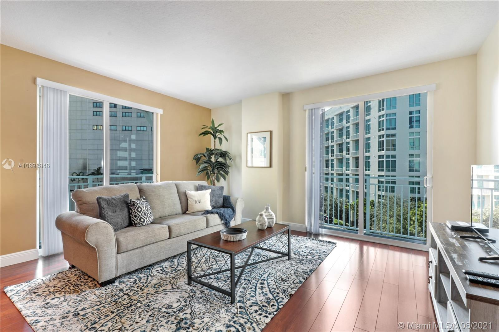 Downtown Dadeland Building F #201 - 7290 SW 90th St #201, Miami, FL 33156