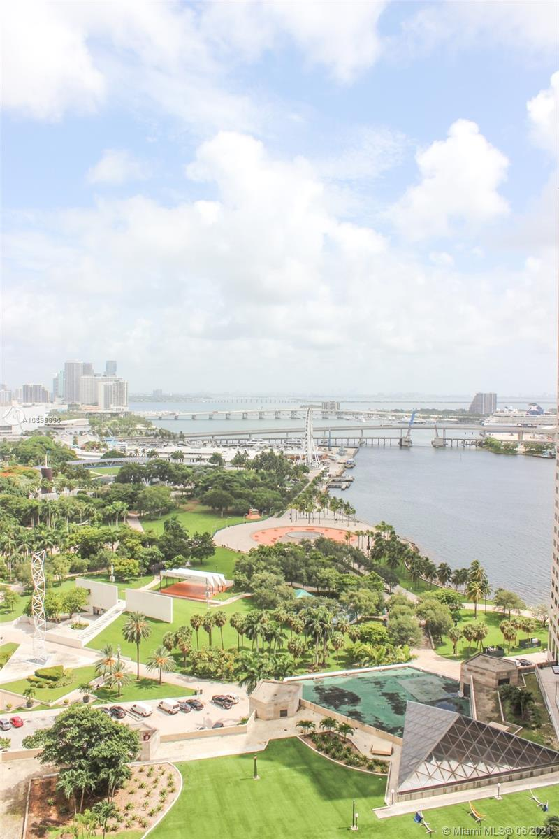 325 S Biscayne Blvd #2514 photo03