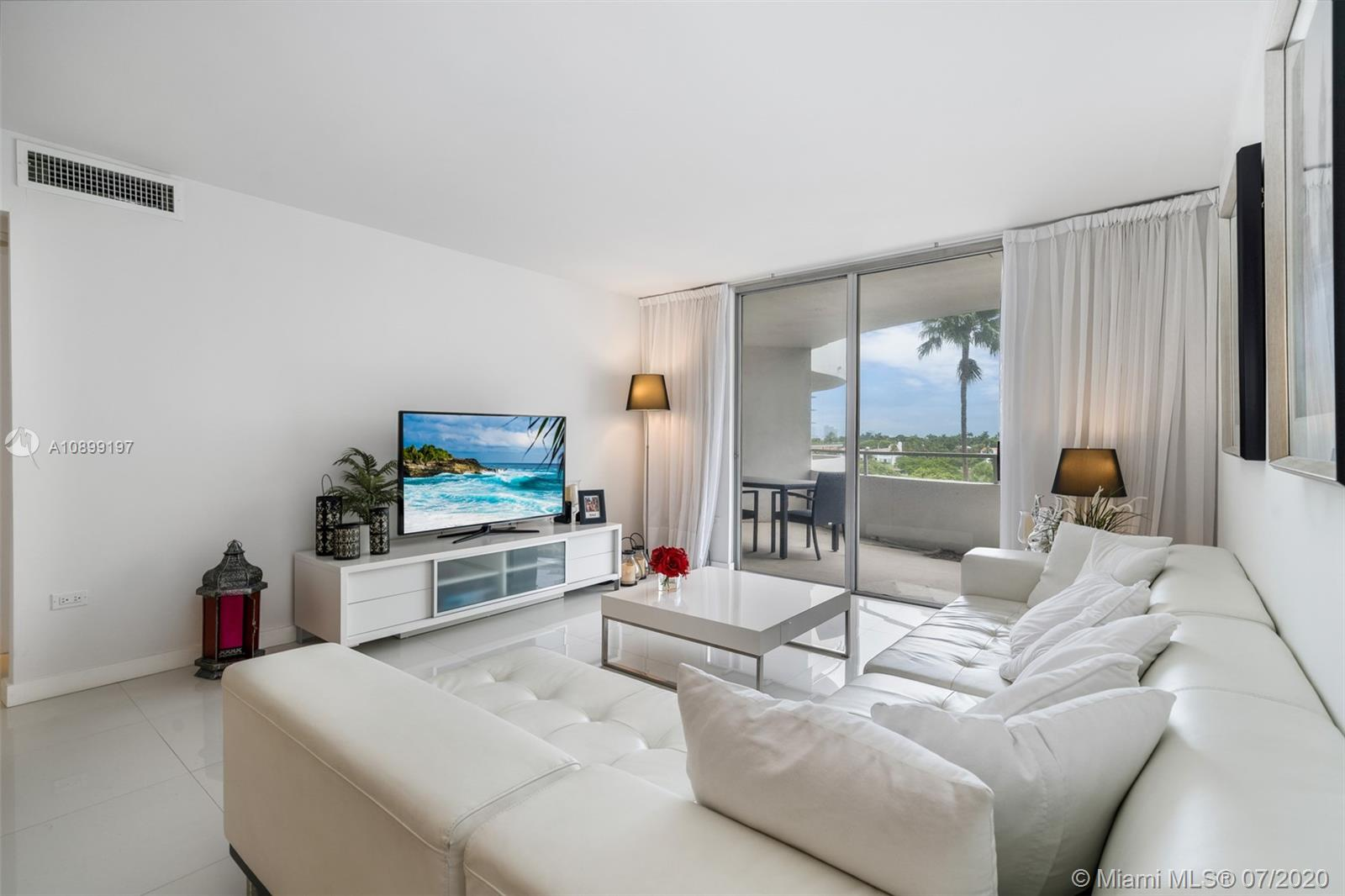 Oceanside Plaza #5T - 5555 Collins Ave #5T, Miami Beach, FL 33140