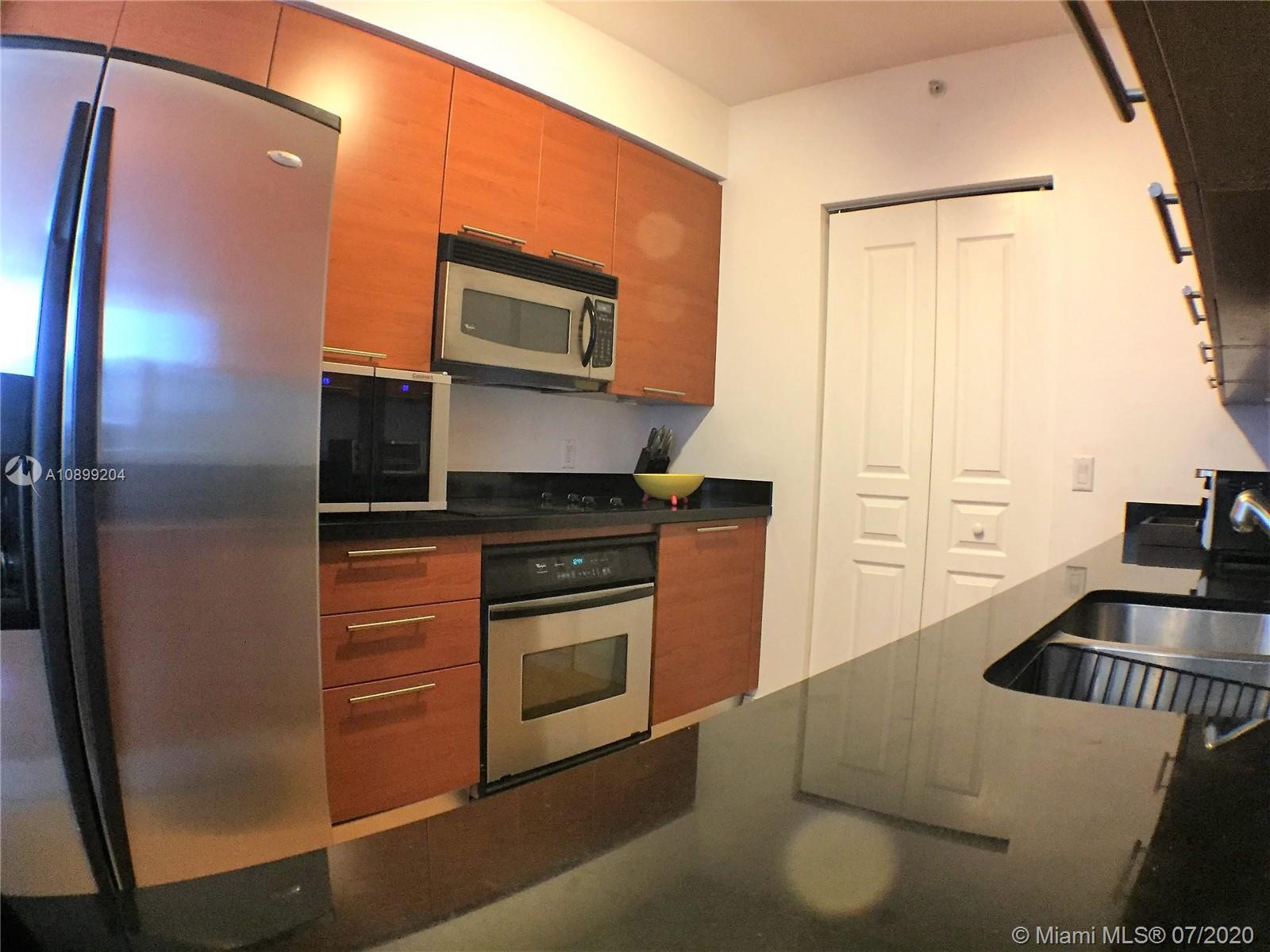 350 Las Olas Place #1580 photo05
