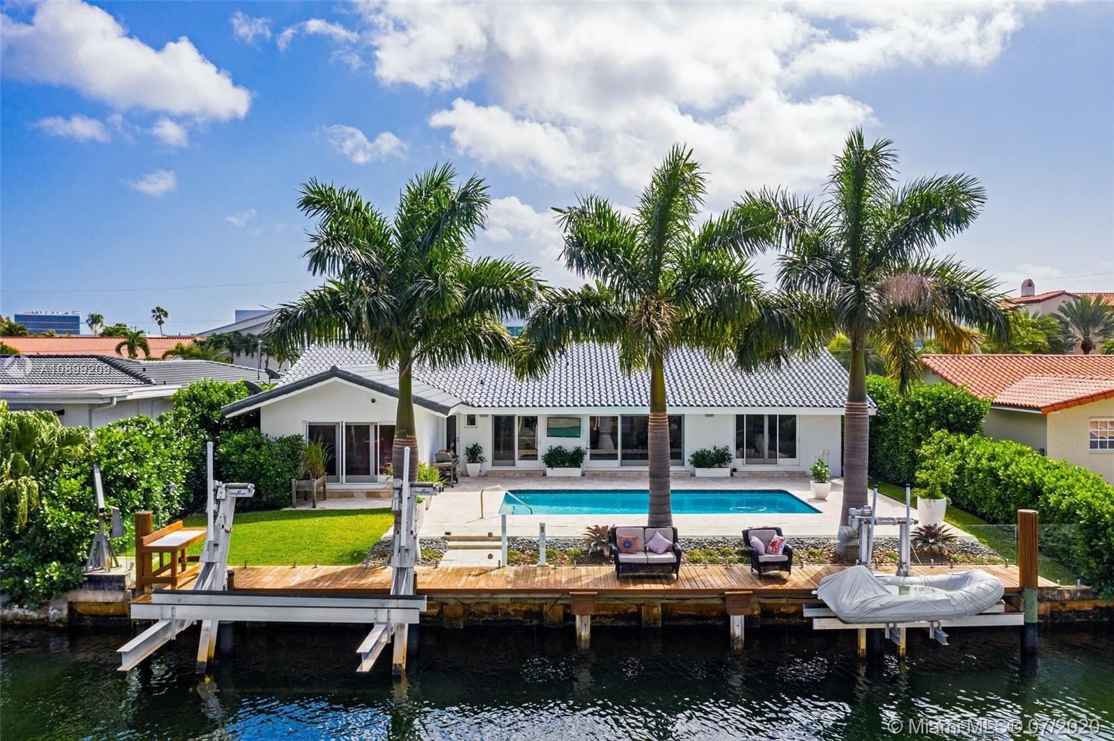 North Miami Beach # photo01