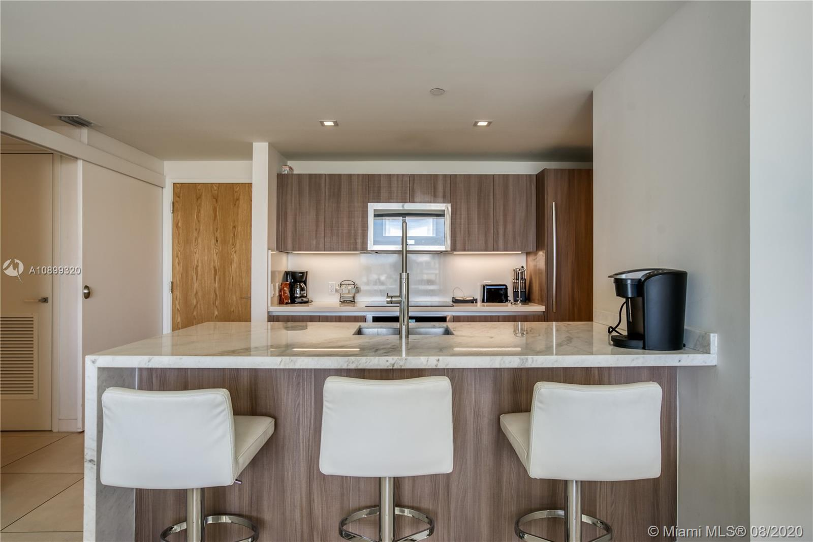 Gale Residences #613 photo12