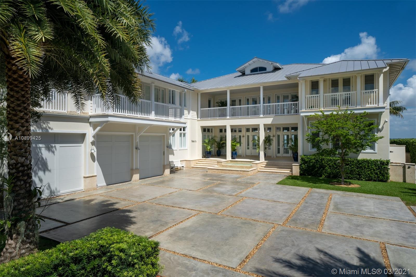 Photo of 260 Harbor Dr # listing for Sale