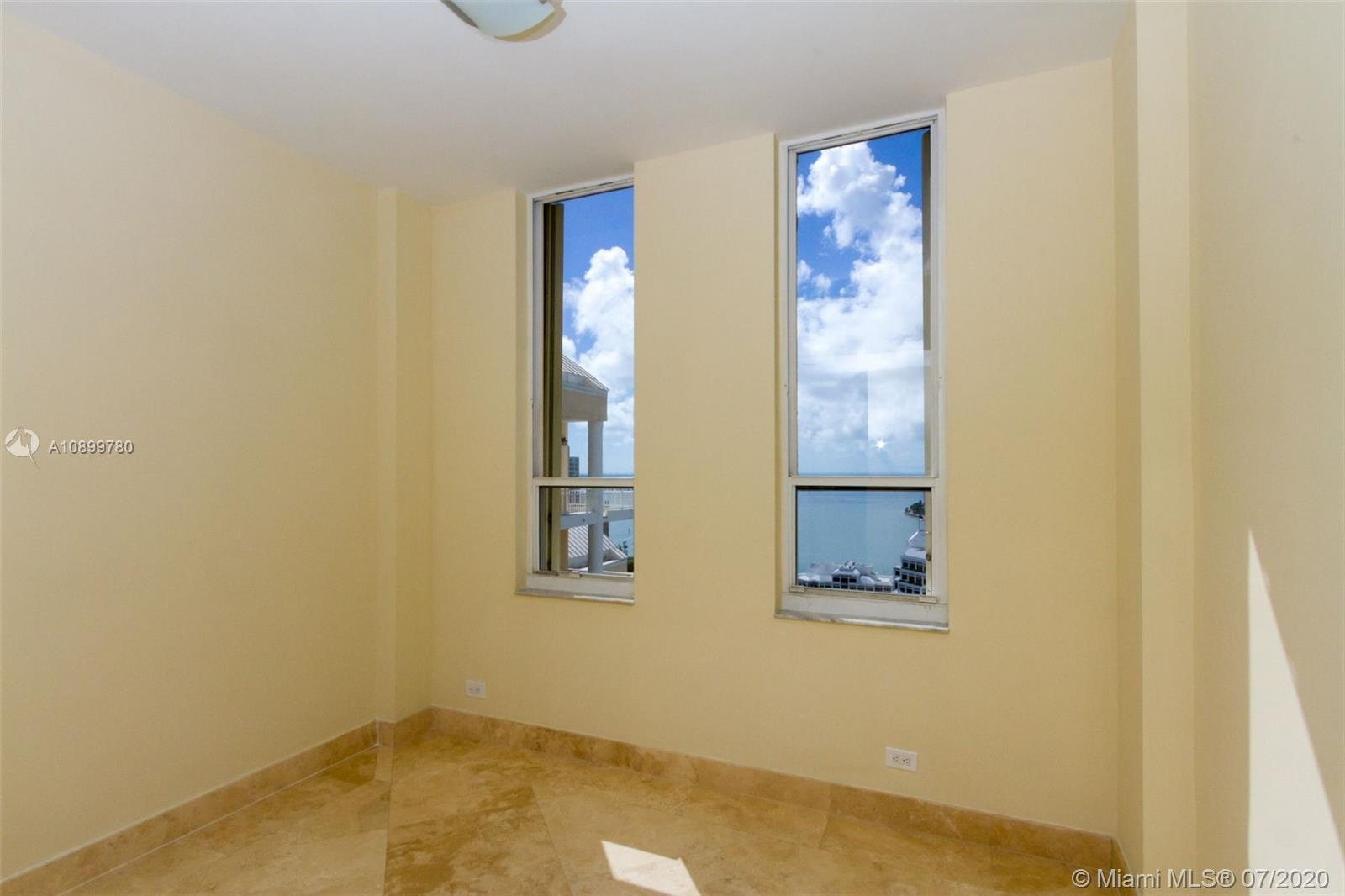 888 Brickell Key Dr #PH2802 photo013