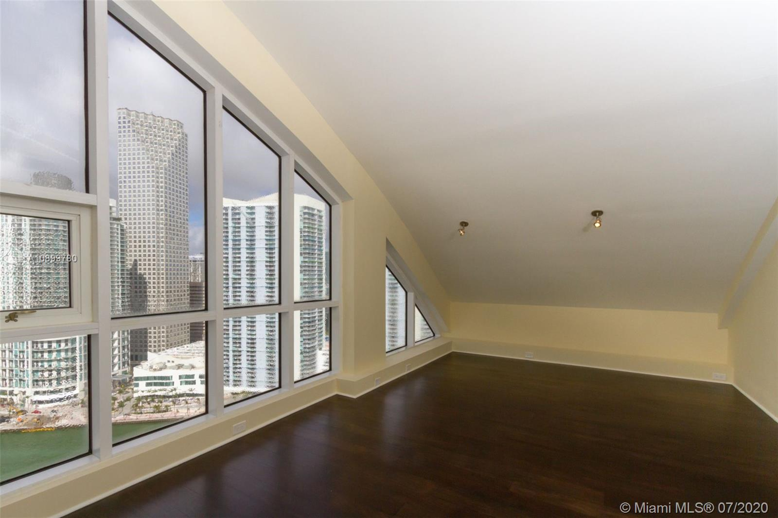 888 Brickell Key Dr #PH2802 photo032