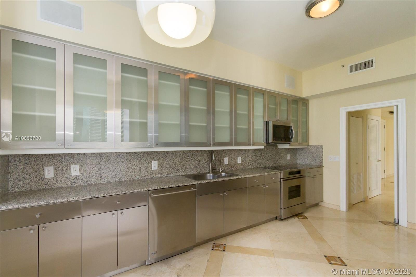 888 Brickell Key Dr #PH2802 photo010