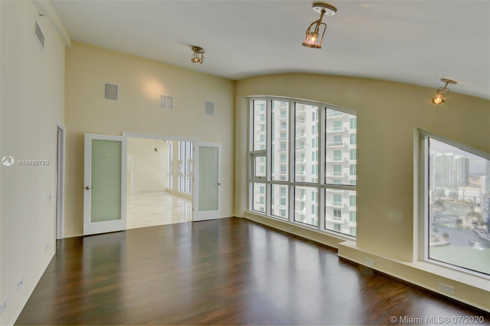888 Brickell Key Dr #PH2802 photo035