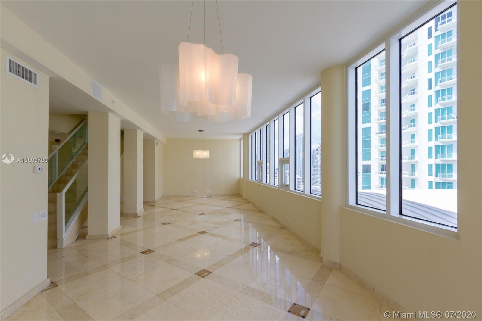 888 Brickell Key Dr #PH2802 photo04