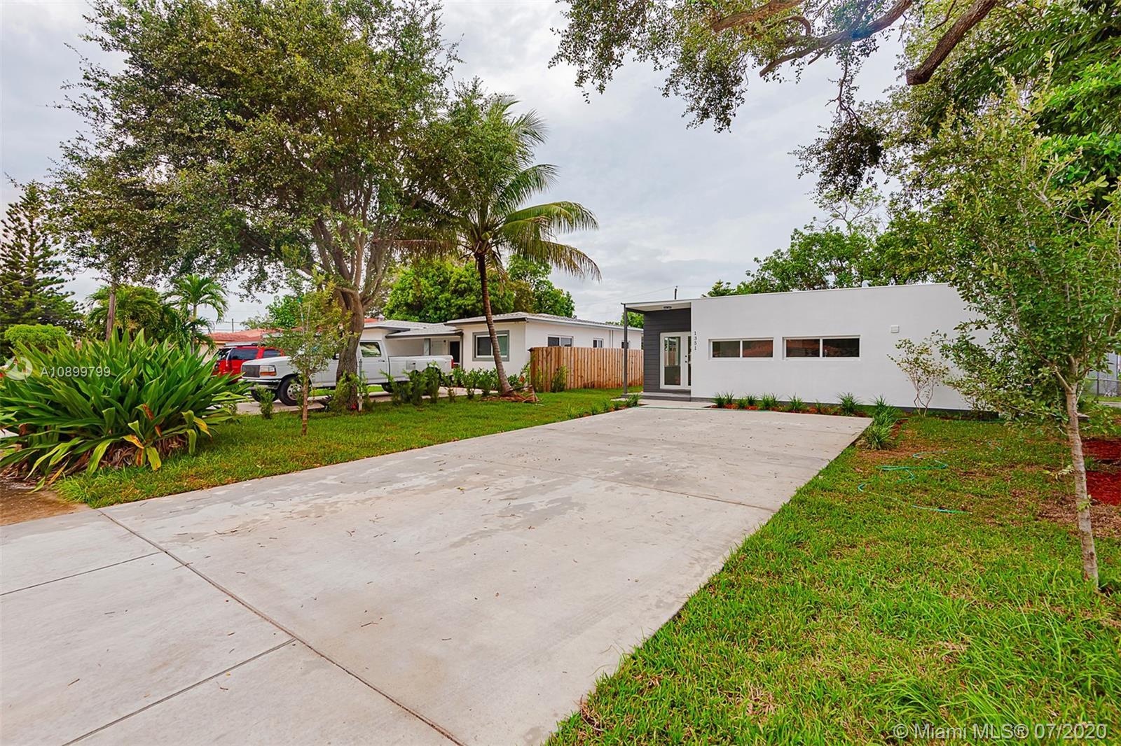North Miami Beach - 1351 NE 158th St, North Miami Beach, FL 33162