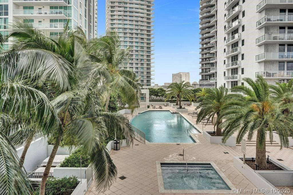 1060 Brickell Ave #1411 photo017