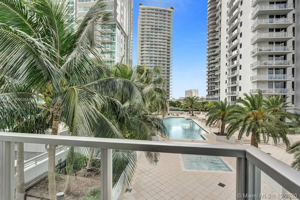 1060 Brickell Ave #1411 photo016