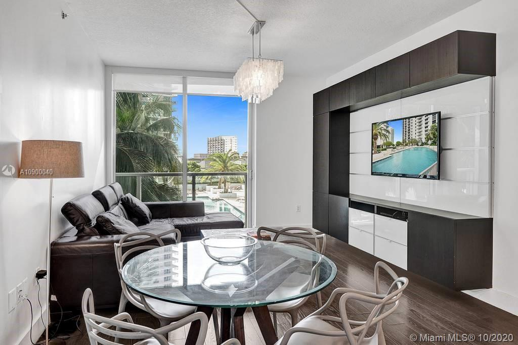 1060 Brickell Ave #1411 photo012