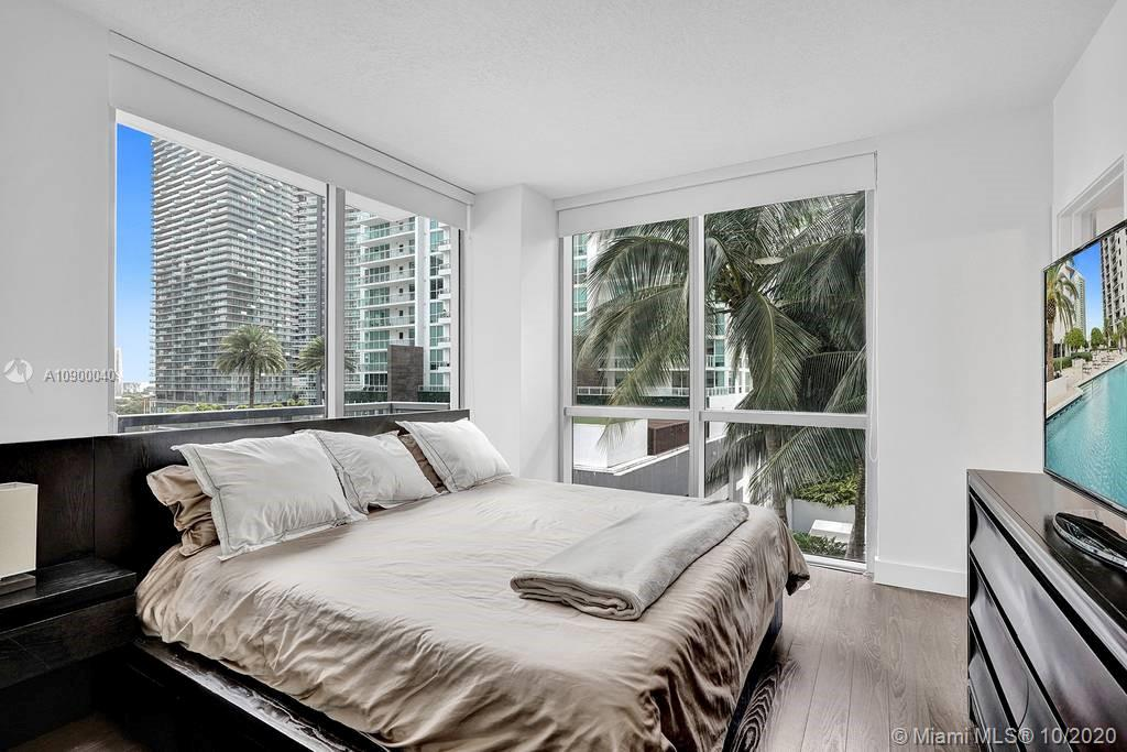 1060 Brickell Ave #1411 photo020