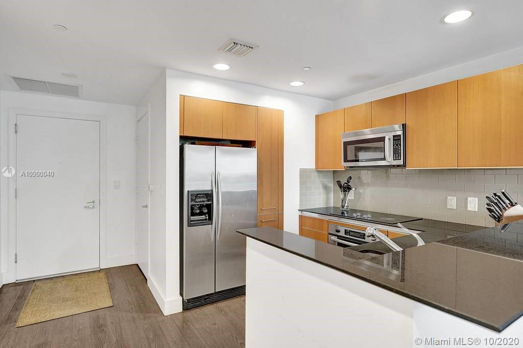 1060 Brickell Ave #1411 photo09