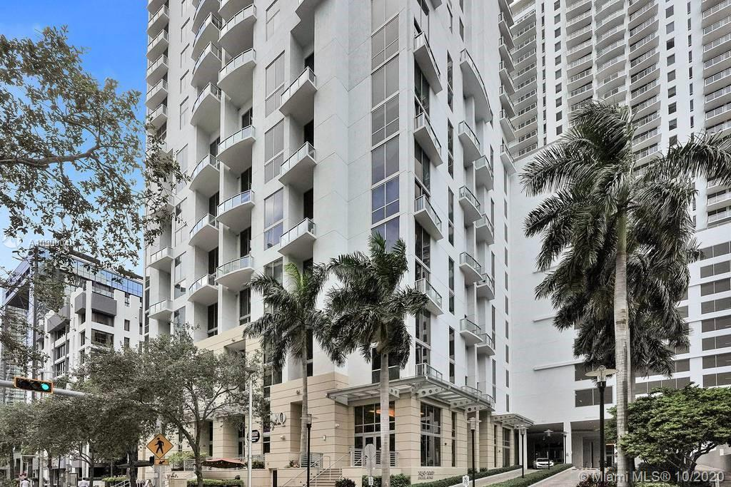 1060 Brickell Ave #1411 photo038