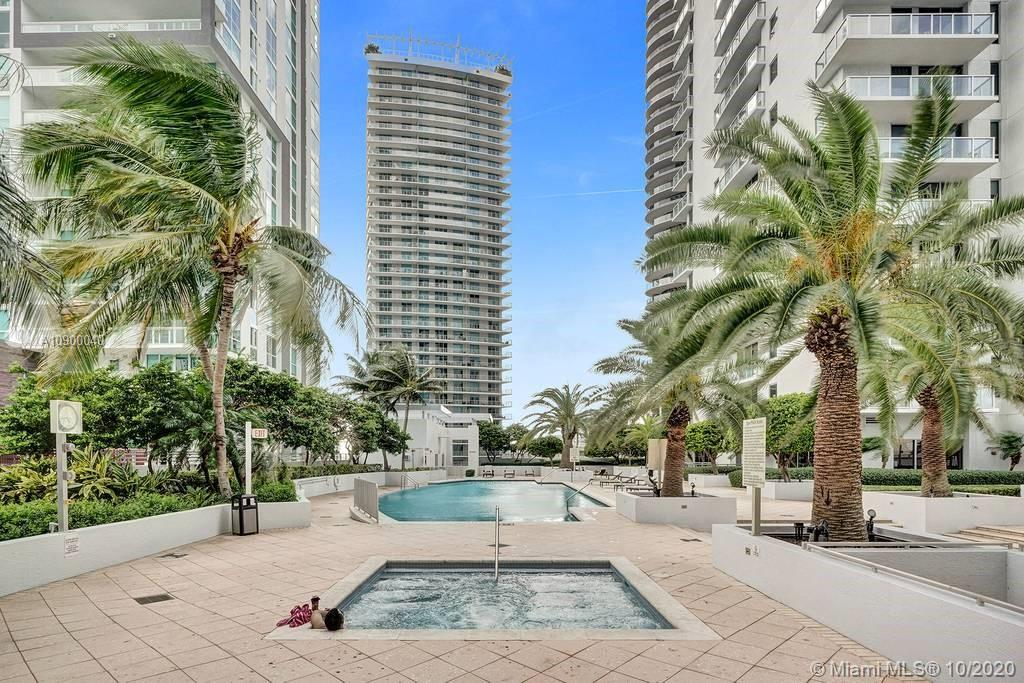 1060 Brickell Ave #1411 photo029